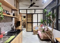 Uri House - Da Nang