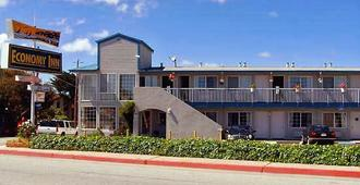 Economy Inn Monterey - Seaside - Building