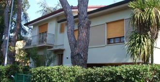 La Casa nei Pini - Viareggio - Rakennus