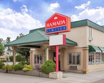Ramada Limited Quesnel - Quesnel - Gebouw
