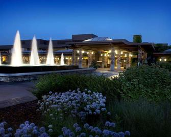 Grand Geneva Resort & Spa - Lake Geneva - Building