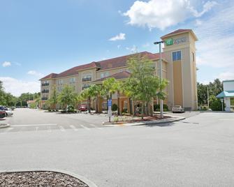 Holiday Inn Express Tampa North - Telecom Park - Tampa - Building
