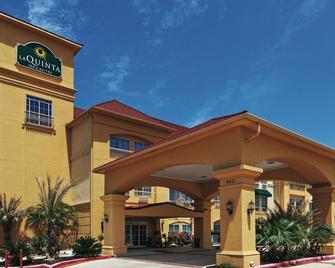 La Quinta Inn & Suites by Wyndham Livingston - Livingston - Building