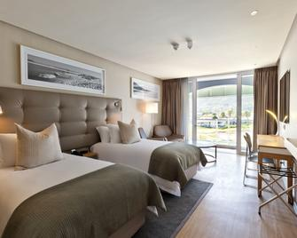 Krystal Beach Hotel - Gordon's Bay - Спальня