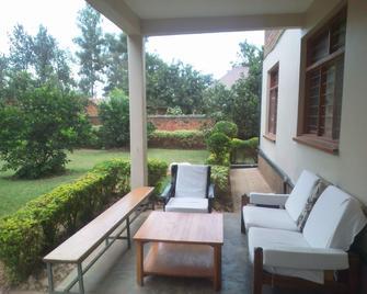 Greenpage Garden Suites - Kigali - Binnenhof
