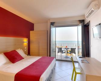 Hotel Sole - Montesilvano - Bedroom