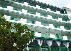 Makmai Villa - Rayong - Building