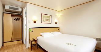 Campanile Calais - Calais - Bedroom
