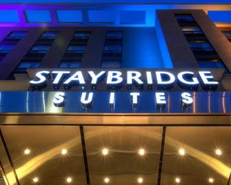 Staybridge Suites Hamilton - Downtown - Hamilton - Building