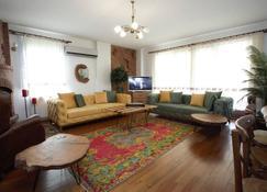 Villa Ozdilek - Sapanca - Sala de estar