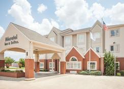 Microtel Inn & Suites by Wyndham Stillwater - Stillwater - Rakennus