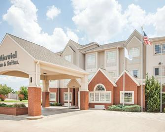 Microtel Inn & Suites by Wyndham Stillwater - Stillwater - Building