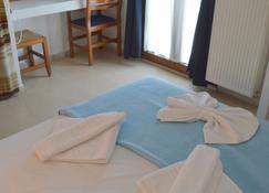 マントラキ ホテル アパートメンツ - アギオス・ニコラオス - 寝室