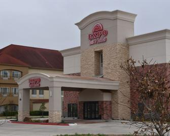 Expo Inn and Suites - Belton - Building