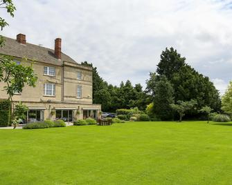 Stratton House Hotel - Cirencester - Building