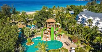 Thavorn Palm Beach Resort Phuket (Sha Plus+) - קארון - בריכה