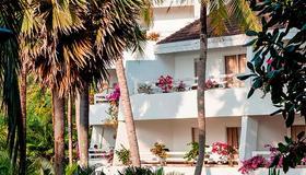 Thavorn Palm Beach Resort Phuket - Karon - Building