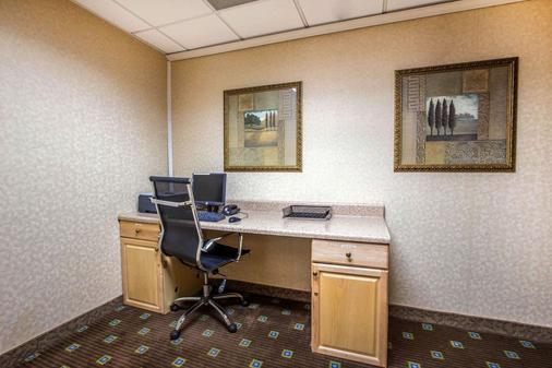 Comfort Inn - Alpharetta - Business centre