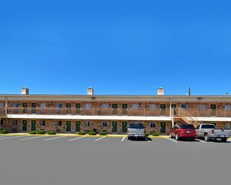 Americas Best Value Inn Crosstimbers - Stephenville - Building