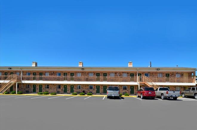 Americas Best Value Inn Stephenville - Stephenville - Gebäude