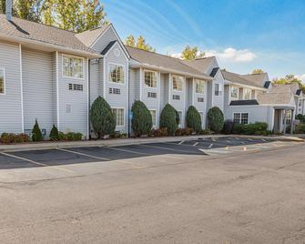 Motel 6 Greenville - Simpsonville - Simpsonville - Building