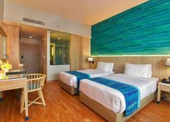The Royal Paradise Hotel & Spa (Sha Plus+) - Patong - Bedroom