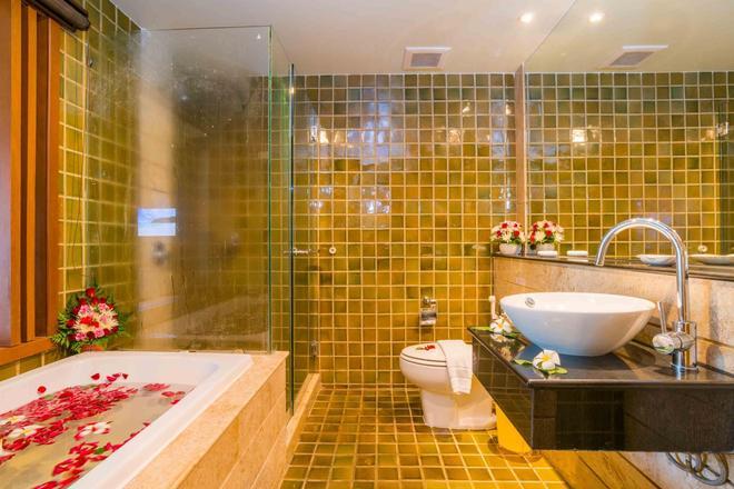 The Royal Paradise Hotel & Spa - Bãi biển Patong - Phòng tắm