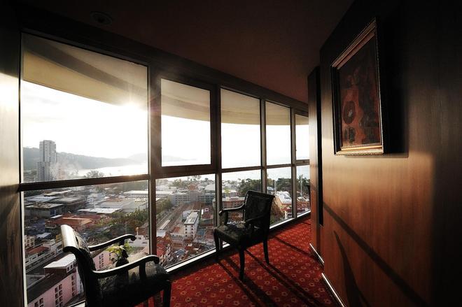 The Royal Paradise Hotel & Spa - Bãi biển Patong - Ban công