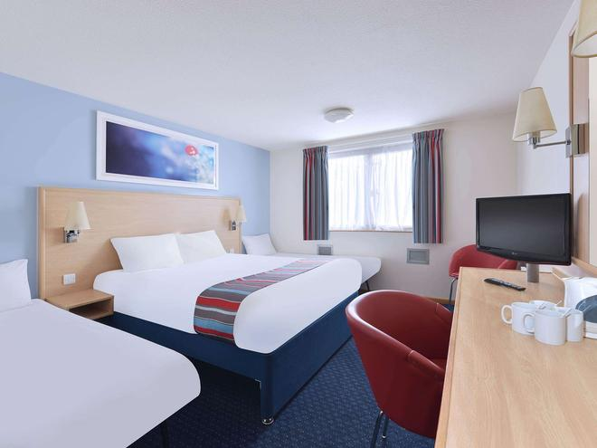 Travelodge Swansea Central - Swansea - Bedroom