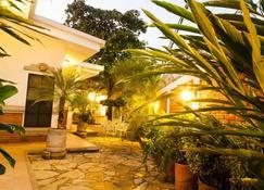 Hotel El Almendro - Managua - Näkymät ulkona