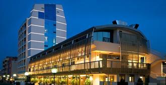 Excelsior - Pesaro - Building