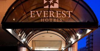Everest Porto Alegre Hotel - Porto Alegre - Bygning
