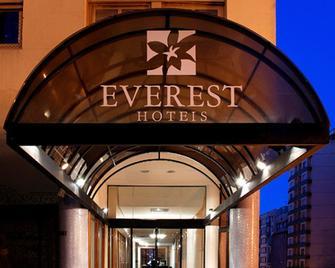 Everest Porto Alegre Hotel - Porto Alegre - Gebäude