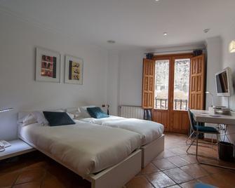 Hotel Nou Romà - Denia - Bedroom