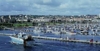 Ibis Cherbourg la Glacerie - Cherbourg-en-Cotentin - Näkymät ulkona