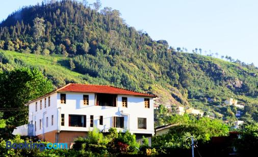 Satya Anand Cottage Pure Veg & Non Alcoholic Cottage - Coonoor - Building