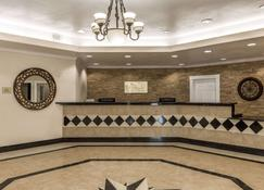 Baymont by Wyndham Galveston - Galveston - Front desk