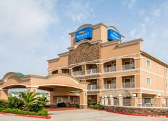 Baymont by Wyndham Galveston - Galveston - Building