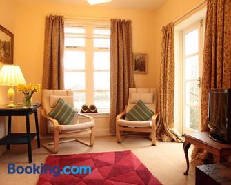 Inverawe Cottages - Taynuilt - Living room