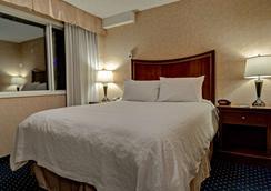 貝斯特韋斯特市中心普拉斯套房酒店 - 卡加立 - 卡爾加里 - 臥室