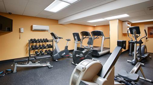 Best Western Plus Suites Downtown - Calgary - Gym
