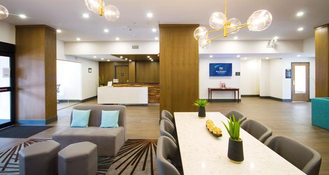 Best Western Plus Suites Downtown - Calgary - Aula