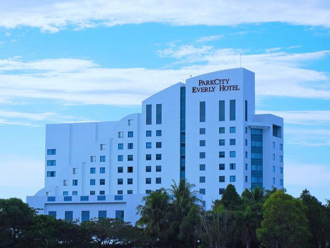 Parkcity Everly Hotel - Bintulu - Building