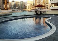 Pearl Marina Hotel Apartments - Dubai - Pool