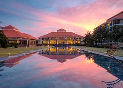 Pullman Danang Beach Resort - Da Nang - Lobby