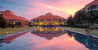Pullman Danang Beach Resort - דה נאנג - לובי