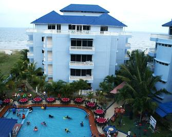 Sanctuary Resort - Balok