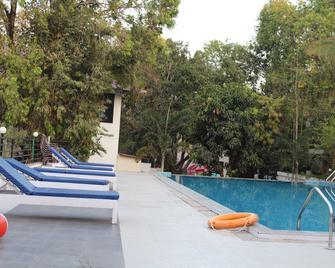Le Pearl Goa Resort and Spa - Vagator - Pool