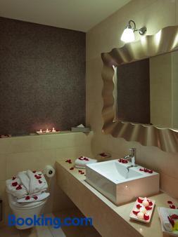 Hotel Kilkenny - Kilkenny - Bathroom