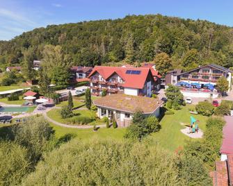 Hotel & Gasthof Zur Linde - Kipfenberg - Gebäude